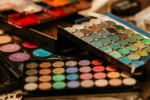 How To Incorporate Your Love Of Beauty Into YourCareer