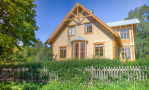 Pros And Cons Of Building AHouse