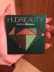 Huda Beauty Eyeshadow Swatch In Matte Emerald